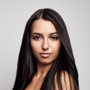 woman with straight hair posing